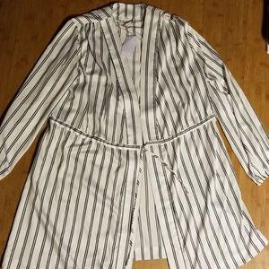 Shimera black and white striped robe NWT
